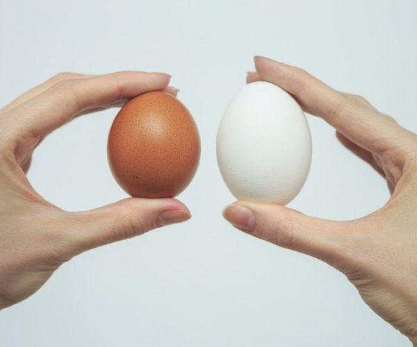 Правое яичко больше левого: причины, самодиагностика